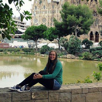 Zkušená učitelka s moderním přístupem k výuce doučí španělštinu a angličtinu