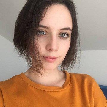 Alexandra Zuggová