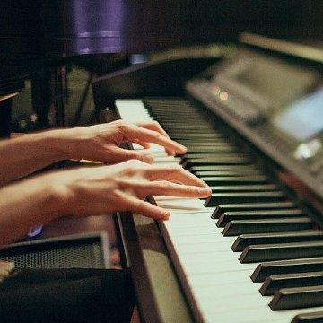 Klavír/klávesy/keyboard jednoducho s radosťou