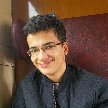 Skúsený a mladý doučovateľ anglického a slovenského jazyka s otvoreným prístupom