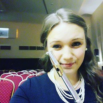 Klasszikus fuvola, furulya, ének és alapfokú szolfézs oktatást vállalok Debrecenben
