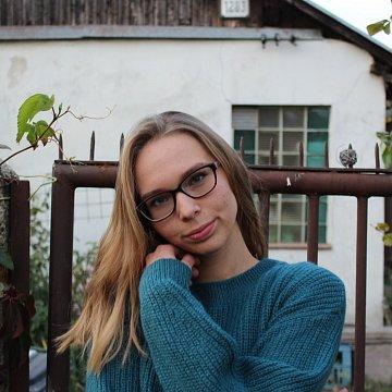 Nina Macáková