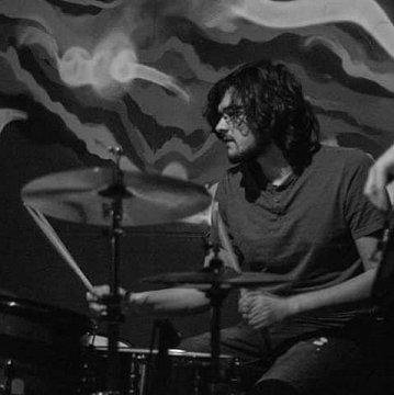 Doučovanie hry na bicích nastrojoch so zameraním na všetky hudobné štýly