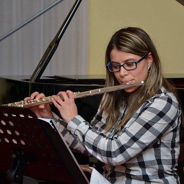 Vyučovanie flauty tradične aj s množstvom moderných techník a aktuálnych trendov.