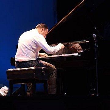 Zongoraoktatás kicsiknek és nagyoknak, tudásszinttől függetlenül- profi, jól bevált módszerrel (Skype-on is)!
