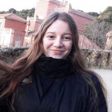 Studentka VŠ ve Skotsku, nabízím doučování angličtiny v Praze a po Skypu