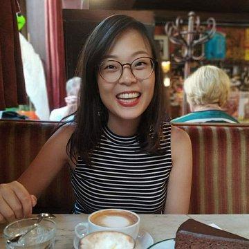 Rodilý učitel mluvící čínsky--Angie Chen