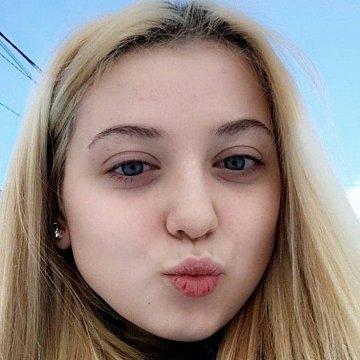 Kimberley Hellebrandova