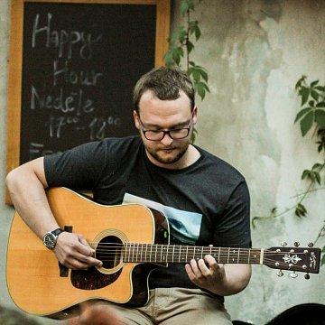 Výuka elektrické a akustické kytary v Litoměřicích