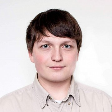 Native English/Russian speaker with background in computer science and a lot to discuss :)