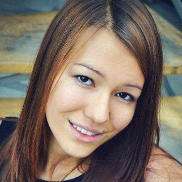 Od svých patnácti let jsem doučovala anglický a český jazyk. Momentálně studuji v Rakousku, tudíž nabízím i doučování německého jazyka.