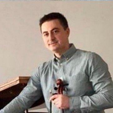Doucujem online hru na husliach