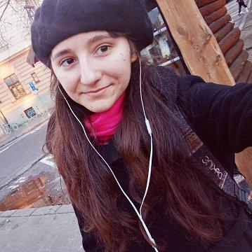 Viktória Šikudová