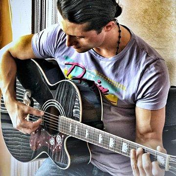 Luai Bazerbashi (youtube: NiLu Guitar Covers)