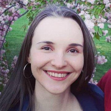 Ksenia S.