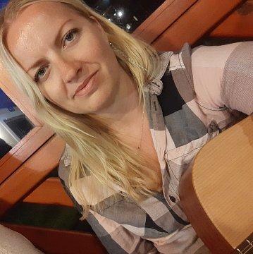 Naučím německy nebo úžasně hrát na kytaru