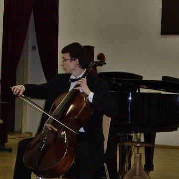 Doučovanie v hre na violončelo