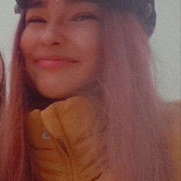 Ester M.