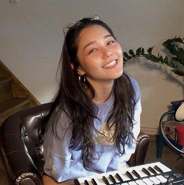 Zongorázz angolul vagy kínaiul!