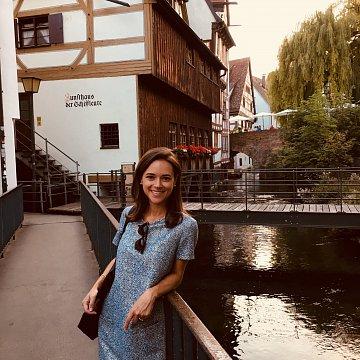 Französische Juristin aus Paris - Conversation, Cours de cuisine et cours de français