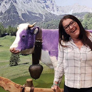 Fiatalos sváb nemzetiségű lány német órái