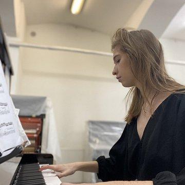 Klavier Unterrichten,Russische Unterrichten,Musik Theorie Nachhilfe