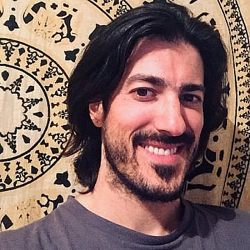 Nicolás R.