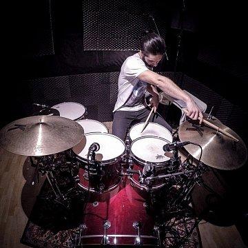 Hra na bicie v Bratislave a blízkom okolí (aj SKYPE), priamo v štúdiu Drummers' City ale aj u teba doma