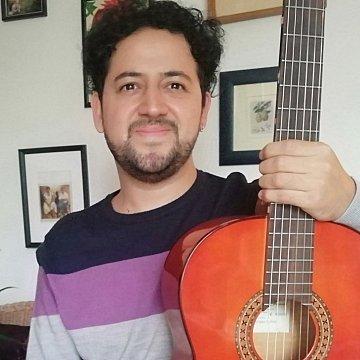 Gitárórák online és személyesen, angolul vagy spanyolul , latin-amerikai tanártól, kedvező áron. Spanyol társalgás. clases de guitarra y de conversación español