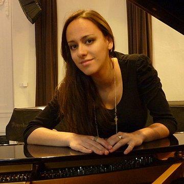 Ivana R.