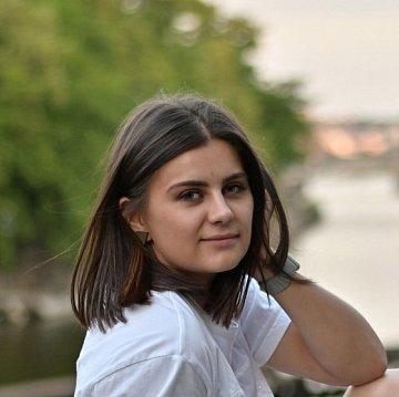 DESKRIPTIVA s Dominikou pro FA, FSv, FD na ČVUT