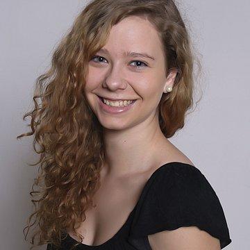Dominika Görfölová